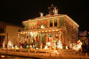Holiday decorating safety tips exterior damage prevention DRS Disaster Restoration Services of Portland, Middletown, New Britain, New Haven, Norwich, CT, Springfield, Chicopee, Worcester, Framingham, MA, and Providence, Warwick, Taunton, and Fall River, RI